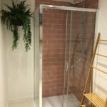 Frameless Shower
